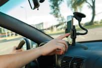 Как выбрать автомобильный держатель для телефона и планшета